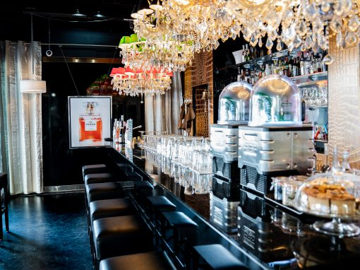 The Bar powered by KJ Tuinmeubelen